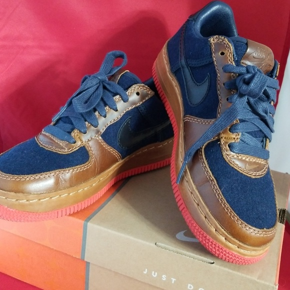 788cdd8968c8 NIKE WMNS AIR FORCE 1 LOW INSIDEOUT. M 5c0078c6aa8770860c461e4e